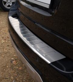 Takakapuskurin suoja Mercedes ML W164 2008-12