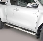 Toyota Hilux kylkiputket askelmilla 2016-