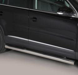Kylkiputket askelmilla 76 mm VW Tiguan 2011-