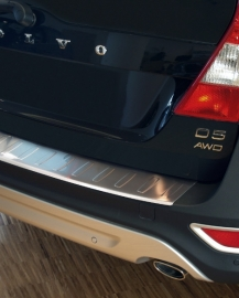 Takapuskurin suoja Volvo XC70 2007-13